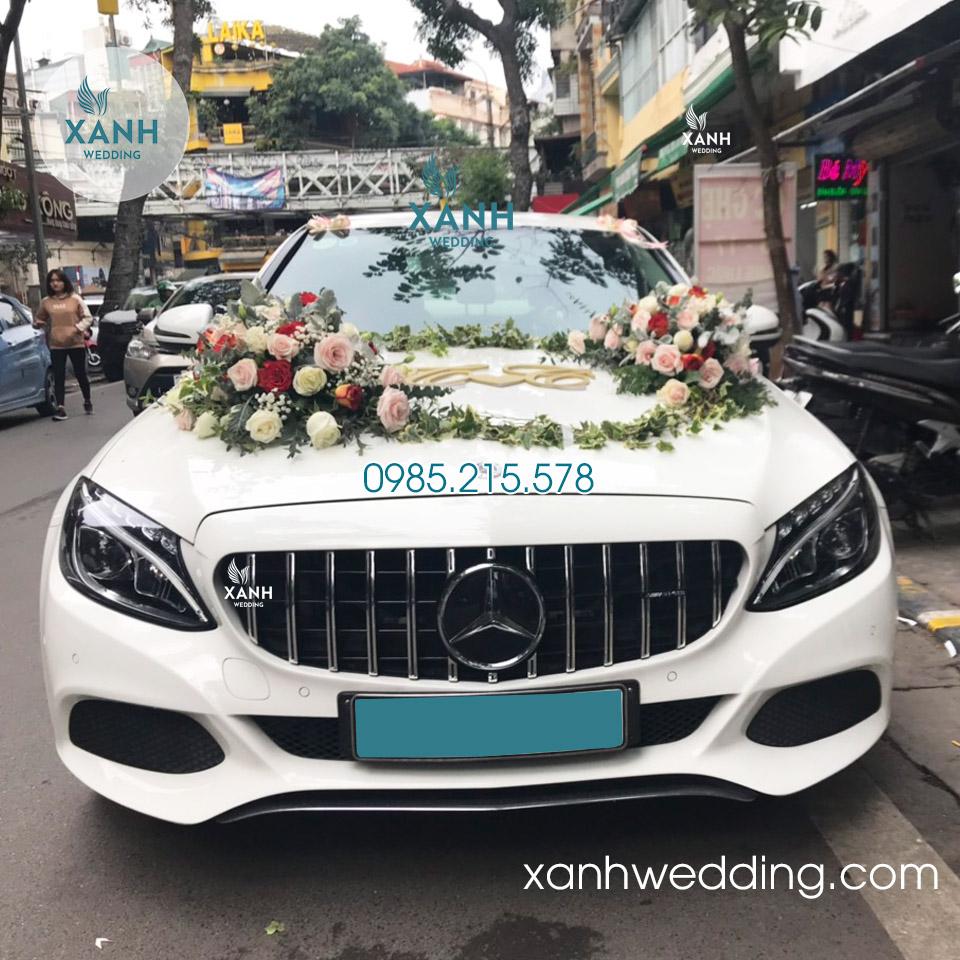Thuê xe cưới Mercedes C300 màu trắng